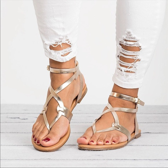 4f19280ee019 Super Cute Gladiator Sandals 🌸. M 5b57b27c9e6b5bd19ca0a75d